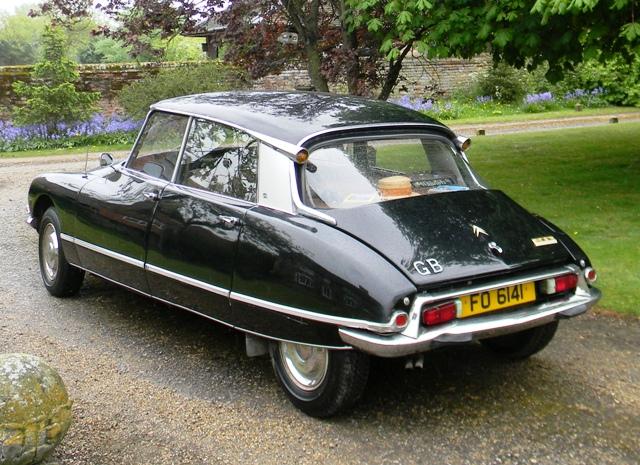 historics at brooklands specialist classic and sports car auctioneers 1971 citroen ds 21 pallas. Black Bedroom Furniture Sets. Home Design Ideas