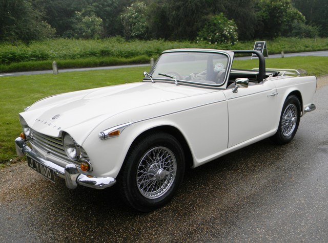 historics at brooklands specialist classic and sports car auctioneers 1966 triumph tr4a irs. Black Bedroom Furniture Sets. Home Design Ideas