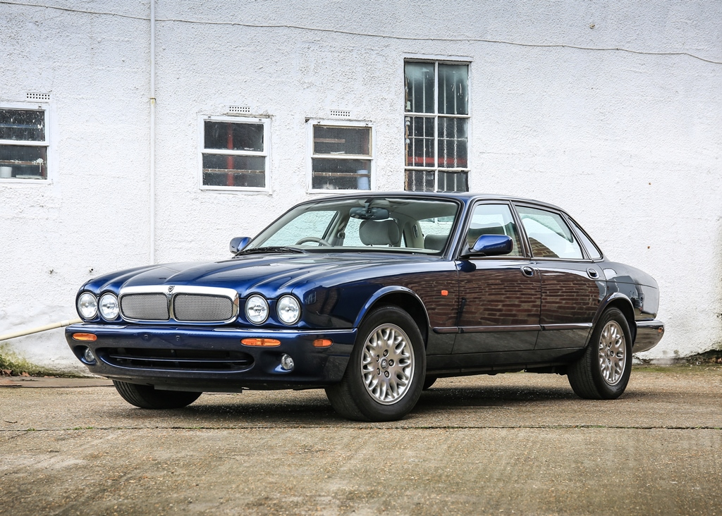 Lot 162   1997 Jaguar XJ8 (3.2 Litre)